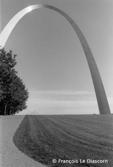 "Ref Only in America 18 – ""Gateway to the West"", Architecte Eero Saarinen, St. Louis, Missouri"