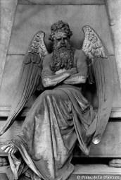 Ref ANGE 2 – Dans le cimetière de Gênes, Italie