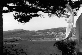 Ref ANGE 8 – Cimetière sur l'île de Folegandros, Grèce