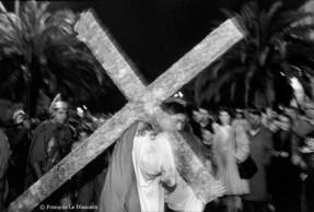 Ref CHRISTUS 7 – Christ portant sa croix, procession de la Passion, Barrafranca, Sicile, Italie