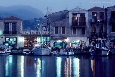 REF GRECE BLEUE 16 - Une nuit à La Canée, Crète