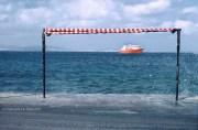 REF GRECE BLEUE 4 – Bateau rouge, île de Naxos