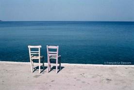REF GRECE BLEUE 9 – 2 chaises, île de Lesbos