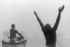 Ref Inde 11 – Prière du matin sur le Gange, Bénarès