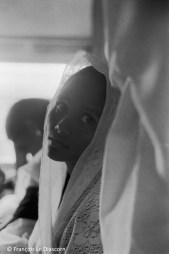 Ref Inde 5 – Jeune femme dans un train près de Madurai