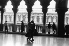 Ref VENISE 15 – Danseurs au Palais des Doges