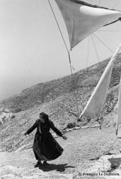 Ref Grèce 2 – Femme avec moulin, île de Karpathos