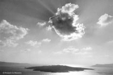 Ref Grèce 5 – Nuage, 'île de Santorin
